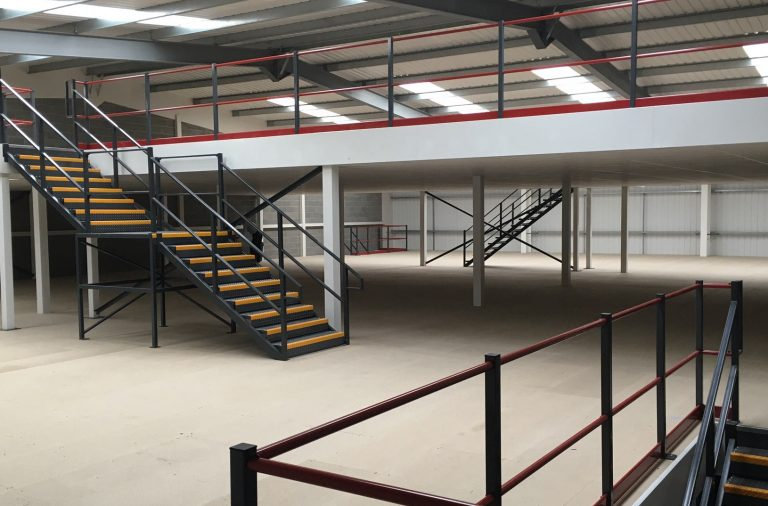 5 Reasons to Use Mezzanine Floors in Your Storage